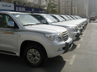ОАЭ Автомобили Toyota Land Cruiser 200